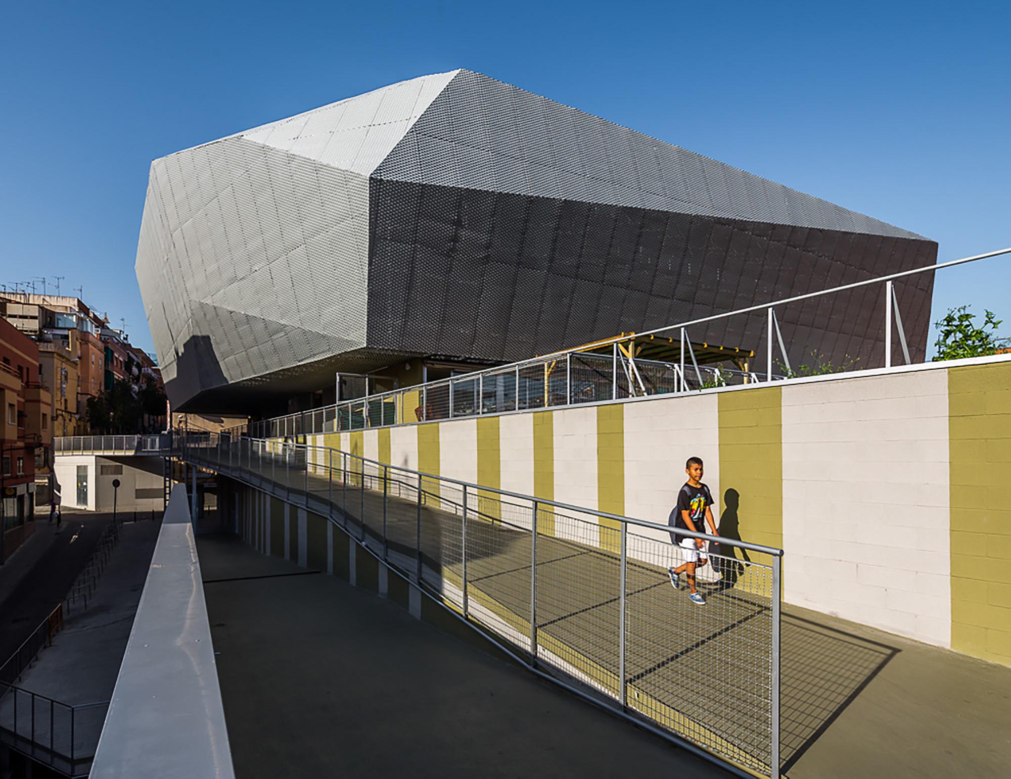 Edificio Fondo Santa Coloma de Gramenet, Pich Aguilera architects