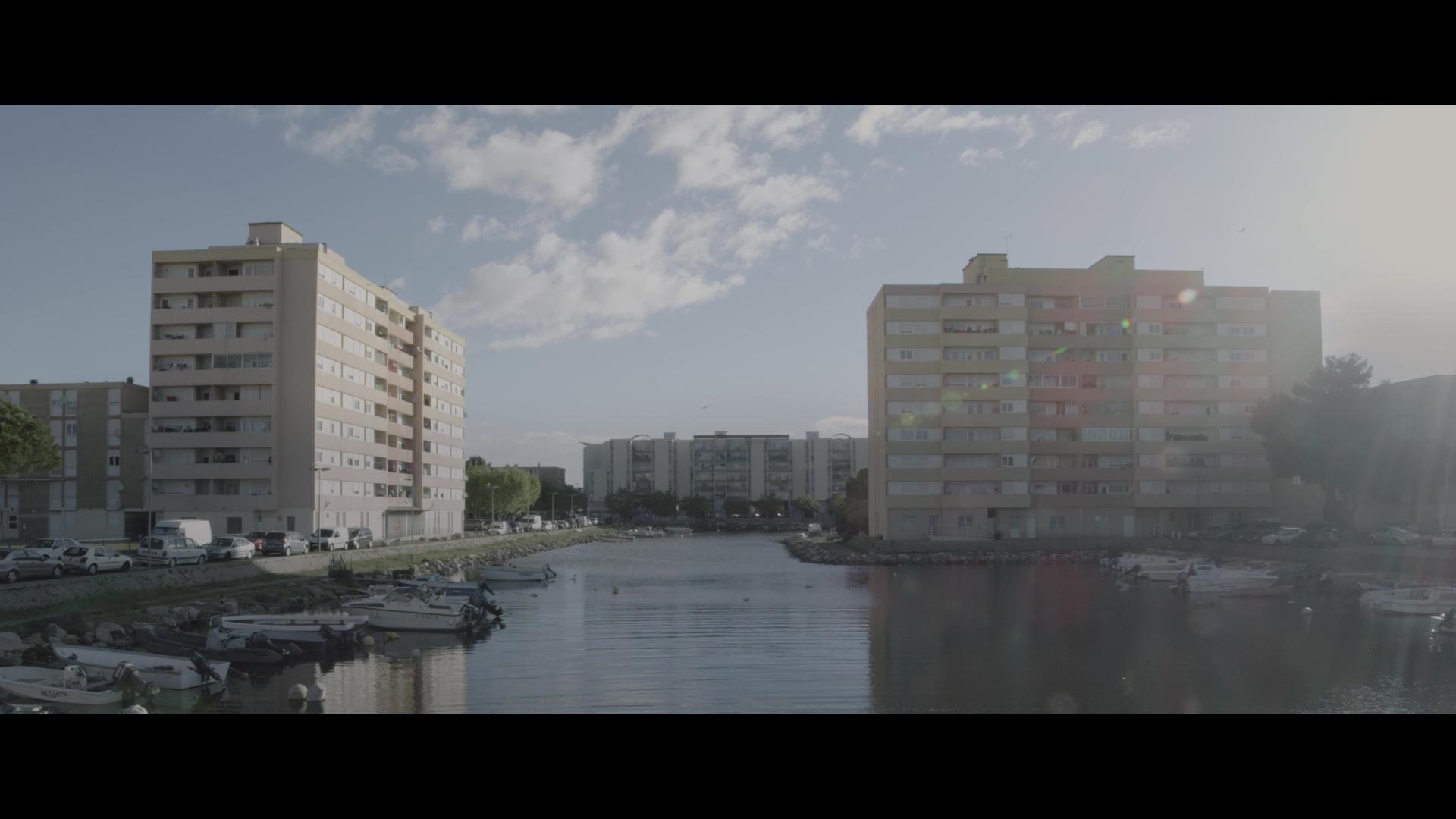 Autour du globe, un regard sur l'île de Thau à Sète